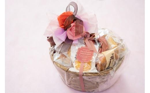 1つ1つ心を込めて手作りしている焼き菓子詰め合わせ♪播州卵など納得のいく素材だけを厳選し作った特製焼き菓子たちです。