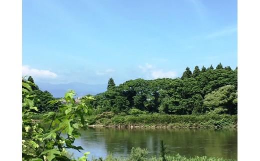 ゲストハウスは北上川や夏油高原が見えるロケーションです