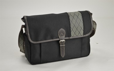 鞄の國 和柄帯横型ショルダー (01020-01) 黒