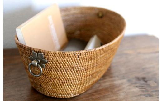 ◇アタ製品 真鍮お花取っ手楕円バスケット(28×9cm)