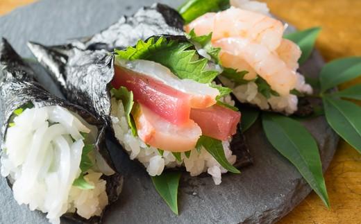 魚介は切られた状態でお送りします! すし飯も海苔も付いているので、すぐに食べていただけます。