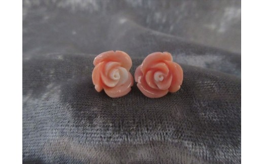 桃珊瑚バラの花ピアス