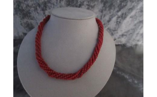 赤珊瑚6連ねじりネックレス