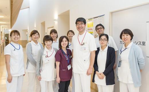 笑顔が素敵なスタッフの皆さんと先生