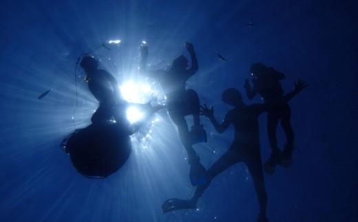 ハレタオーシャンサポート沖縄の大定番!【青の洞窟シュノーケリングツアー】2名様