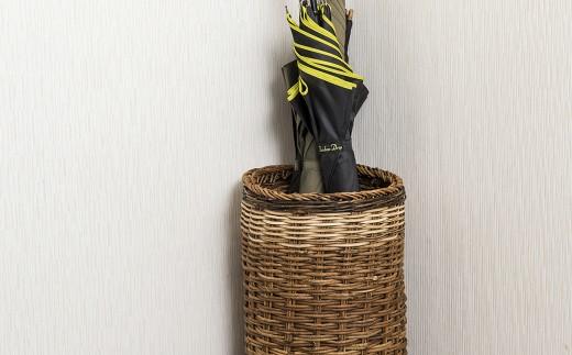 傘立てとして使用する場合には、屋内使用をする事で玄関の印象もナチュラルに