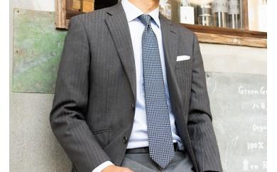 【受注生産】匠の技術で織り上げるシルク100%のマイクロ小紋柄ネクタイ(ネイビー×グリーン)