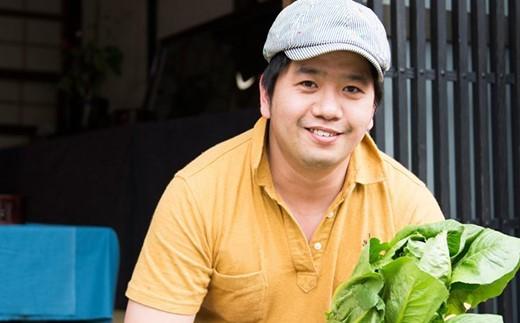 シェフが恋した塩尻野菜のスープのレシピを開発、監修する友森隆司シェフ。塩尻市で大人気のフレンチレストランのシェフです。