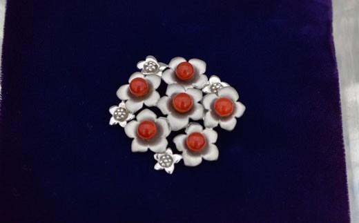 海の秘宝珊瑚:ブローチV