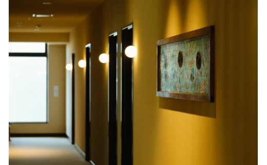 ドミトリータイプ、ツインルーム、ダブルルーム、最大4名様ご宿泊頂けるデラックスルーム等、様々なお部屋タイプをご用意しております。