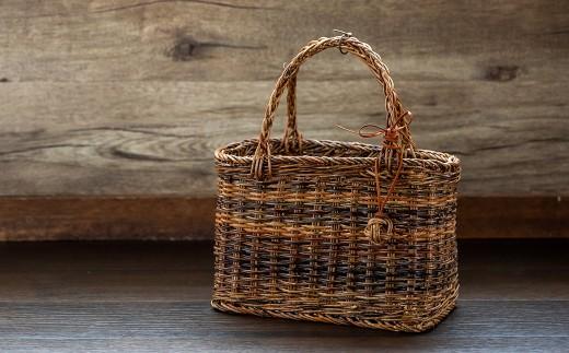 西和賀町産100% あけび蔓で仕上げた伝統工芸「あけび蔓籠」