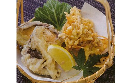 「雲太」の足の天ぷらが絶品です。かき揚げにしてお召し上がりください。
