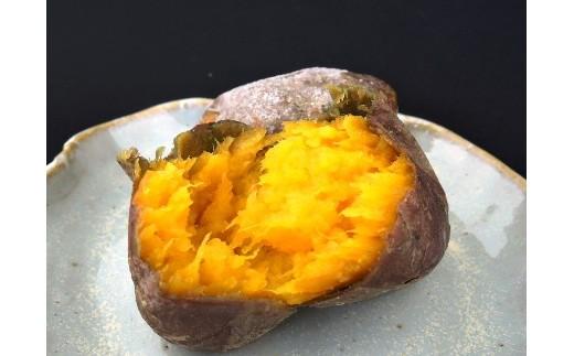 蜜が多くしっとりとした食感で、糖度が高くとっても甘い安納芋