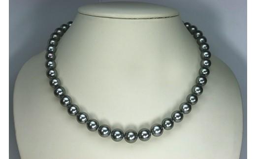 まき厚が1mm以上・テリの強さ・傷・形・色の程度が最高品質 最高級のタヒチ真珠である証の真珠科学研究所オーロララグーン鑑別書付