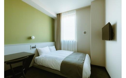 「HOTEL KARAE」スタンダードダブルルームです。ベッドマットはシモンズ製です。