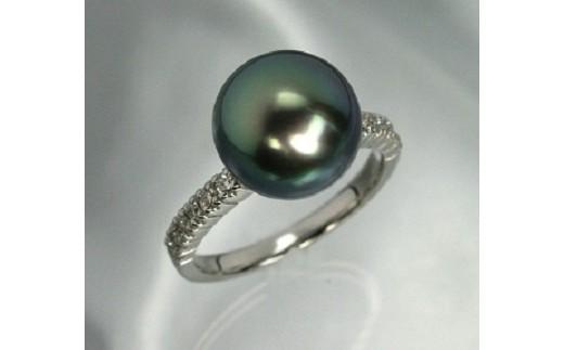 厳選された最高級品質の鑑別書付きのタヒチ真珠をお届けいたします アームにメレダイヤモンドがセットされたシンプルなリング