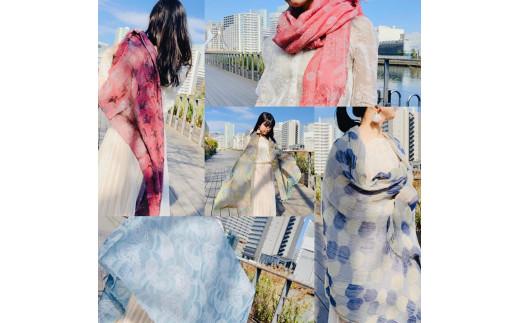 「織馬鹿×文化服装学院ファッションテキスタイル科2020年ストールプロジェクト」のコラボストールです♪