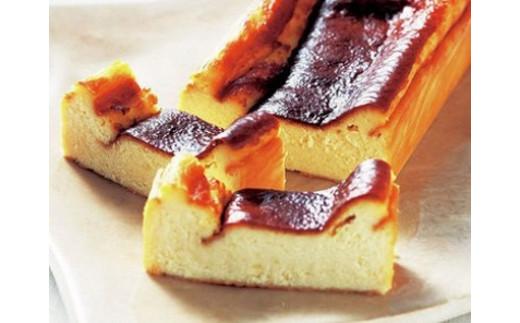 『レストラン香松』の 和三盆チーズケーキ