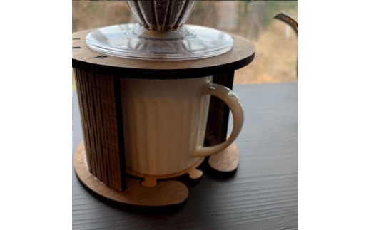 コーヒーカップ等の高さが9cm程度までのものに適しています。