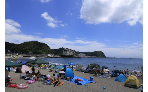 夏は海水浴。内浦海水浴場
