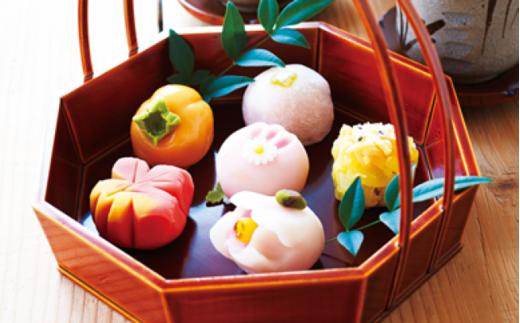 <定期便>日本の四季を味わう ぜいたく和菓子セット(1・4・7・10月) 【11218-0112】