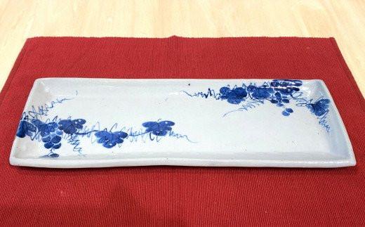 赤土呉須葡萄絵長角皿
