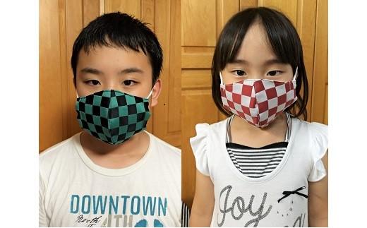 左:中学校1年男の子 右:小学校1年女の子