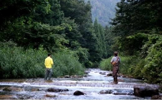【2名様】普段着で、しな~っと体験⑦ 大野の渓谷ヤマメ・イワナ釣り体験[№5884-0385]