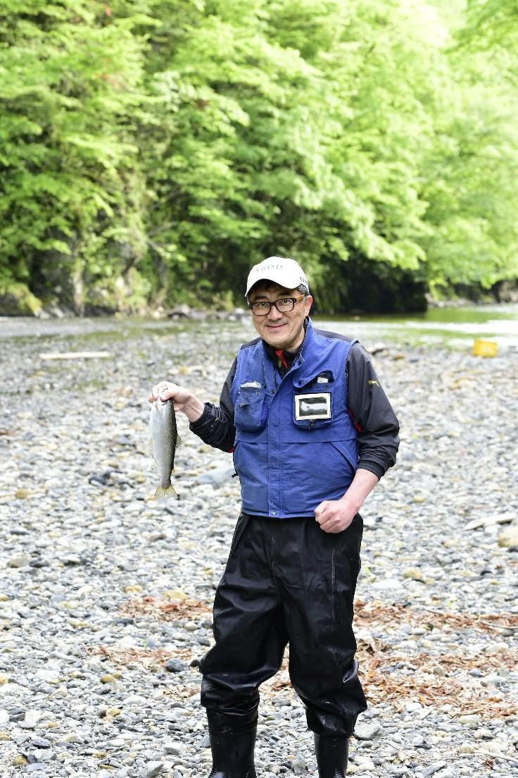 浦河の釣り親父 大久保直幸氏が案内する、渓流釣り体験
