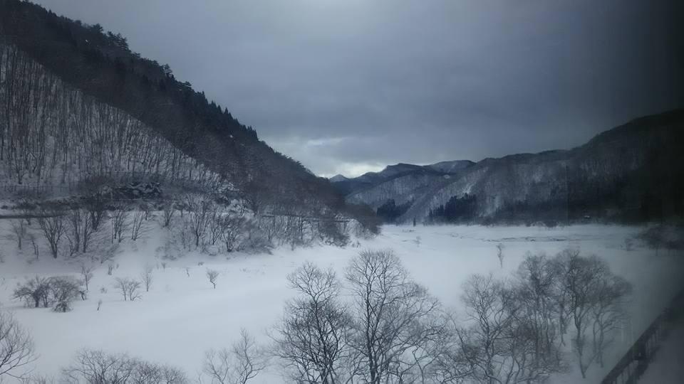 雪が一面を覆う冬