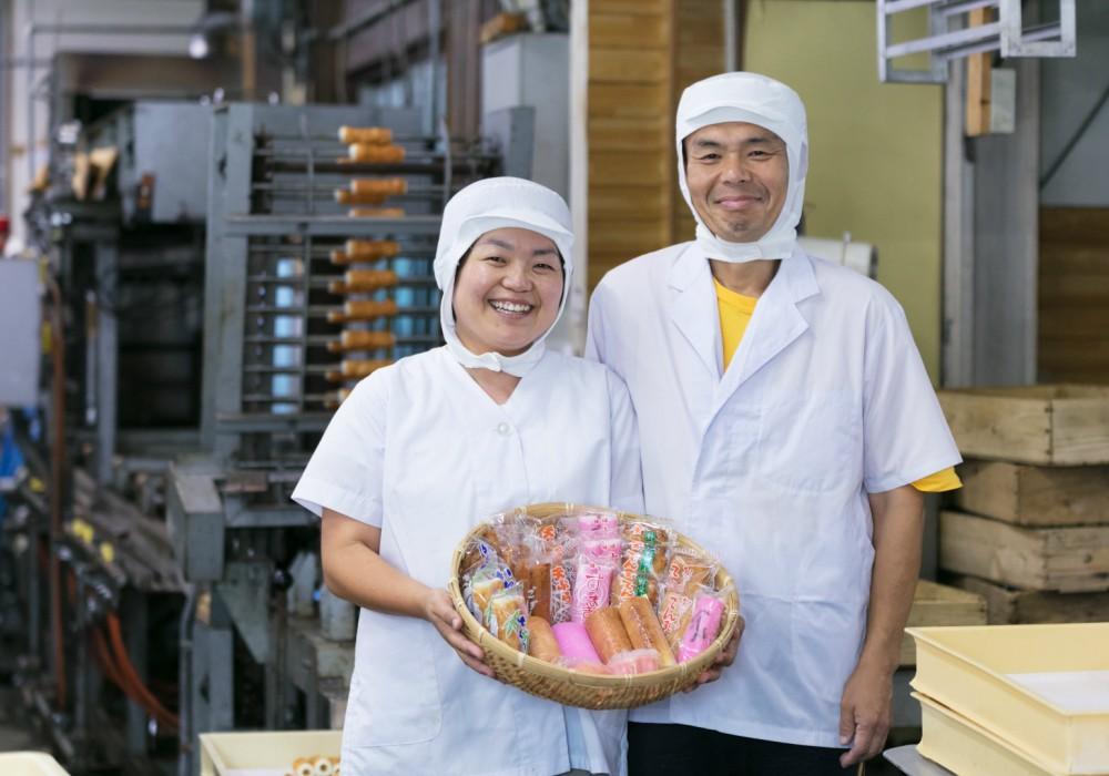 1938年創業の山本かまぼこ店を支える、3代目山本さん夫妻