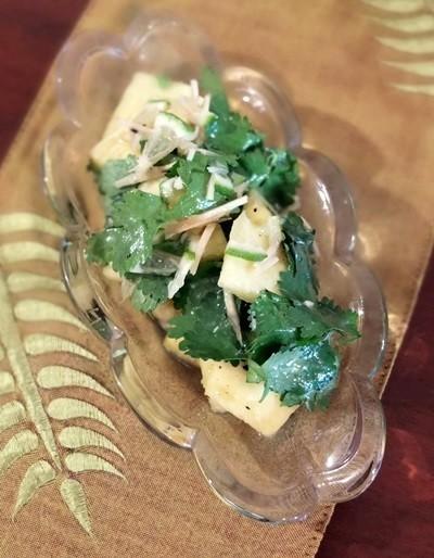 【えごま油レシピ】パクチーとパイナップルのライムジンジャー