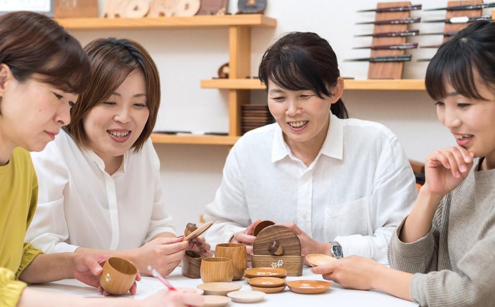企画・デザイン・制作まで、女性スタッフの手で生み出されています。