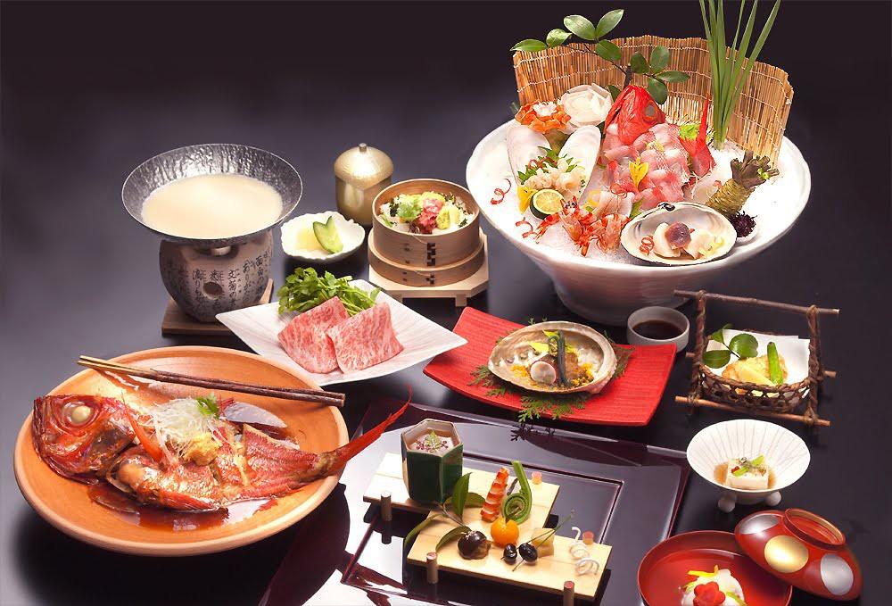 千葉県勝浦産金目鯛姿煮付きの名物「江戸前簀立て盛り会席」