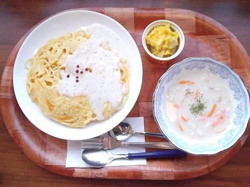 オムスパホワイトソースとスープ