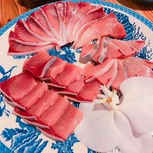 夜は魚松自慢の新鮮な魚でおもてなし★