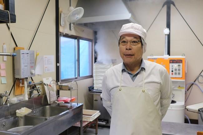 作業場で待ち構えていた渡辺会長さん