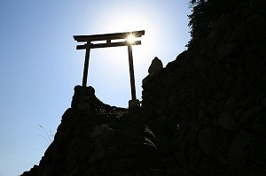恵比寿神社は、矢櫃漁港近くにあります。