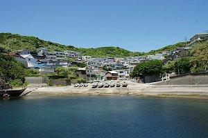 矢櫃漁港の海からの景観には、ホッと一息。