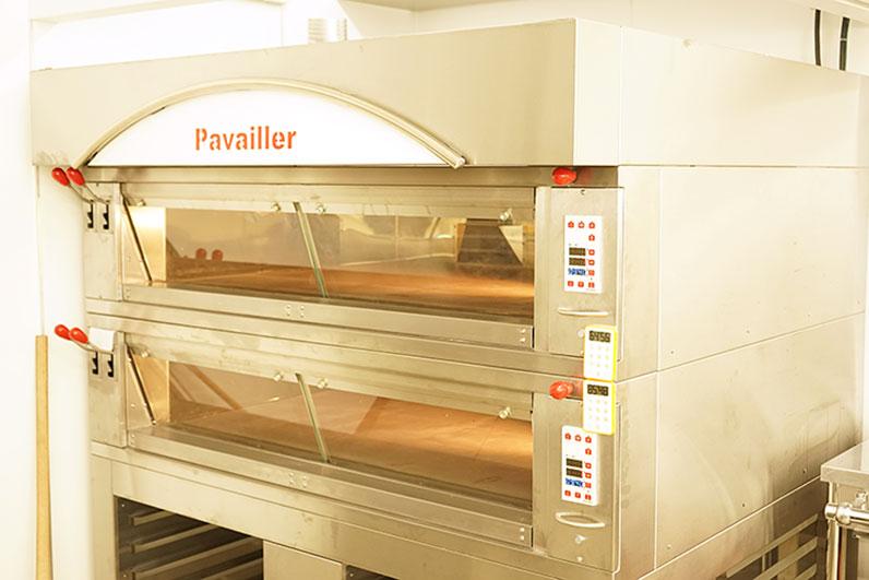 最新の設備により高品質な洋菓子を製造しております