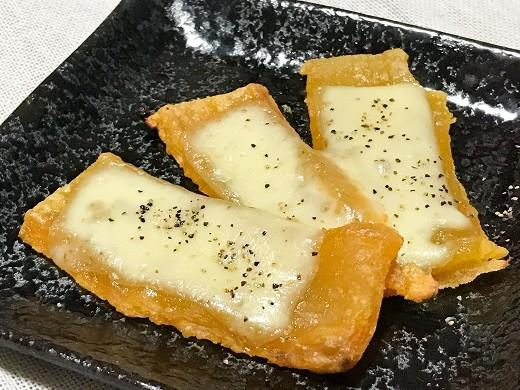 オーブンで温めるとカリッとした食感が加わります!チーズとよく合う~!