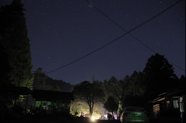 夜は美しい星空を眺め、早朝は野鳥のさえずりに耳を傾けてみませんか?