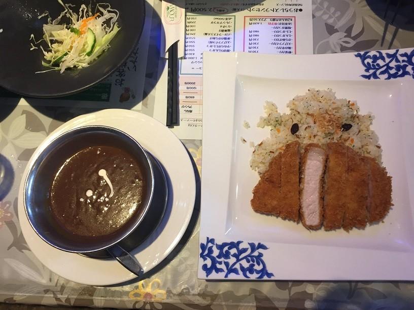 「ロースとんかつカリー」はとんかつ専門店も顔負けの旨さ!!