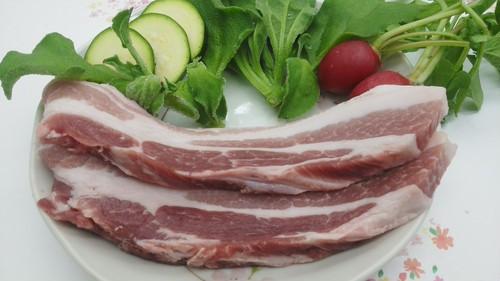 豚バラ肉厚切り