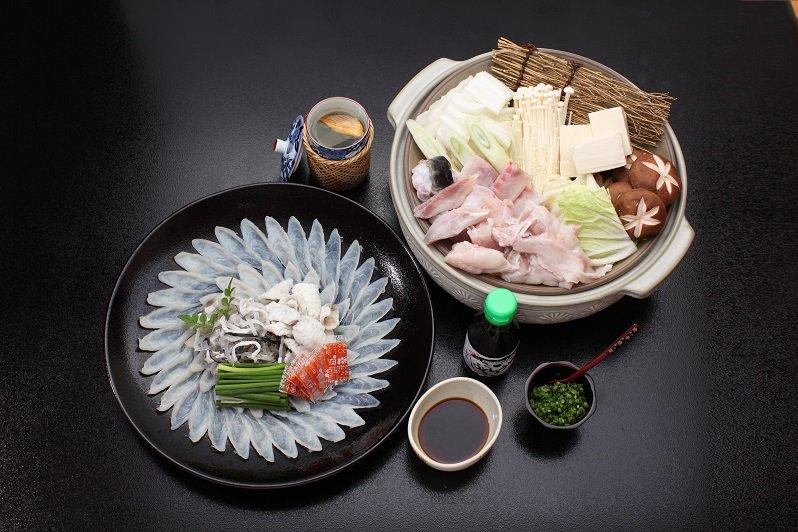 【11月】豊後とらふぐ料理セット(養殖4~5人前・盛り付けイメージ)