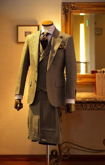 「豊橋の匠」が縫い上げる世界に一つしかないオーダースーツ。