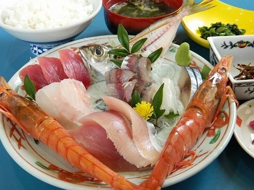 カネシチ刺身定食 2000円(税別)