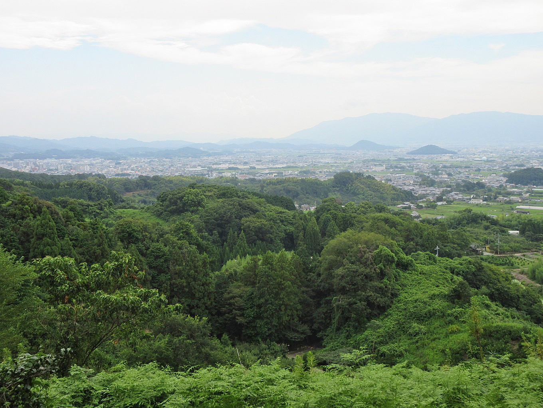緑に囲まれた、自然豊かな場所です。