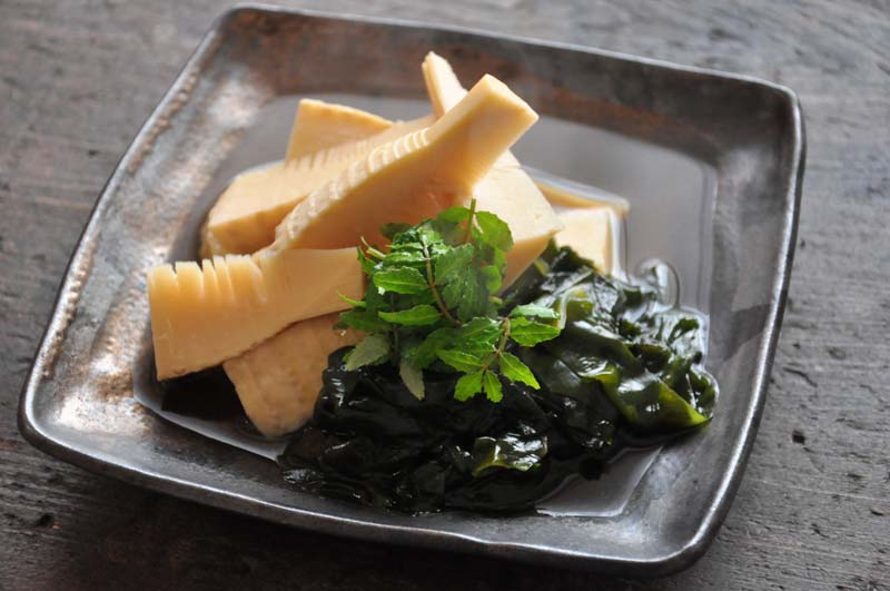 貝塚市木積(こつみ)産たけのこで作る 「若竹煮」は格別です!