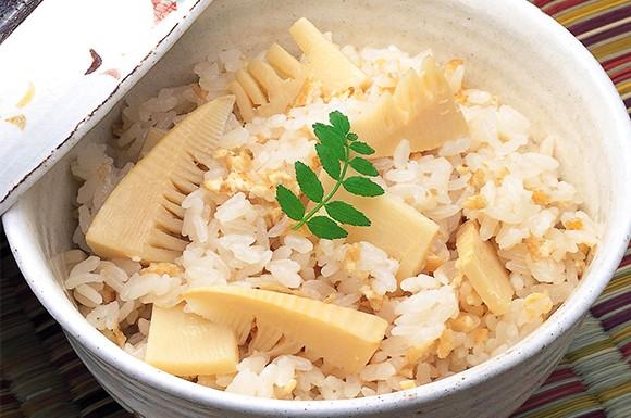 春の訪れを感じる「竹の子ご飯」朝掘り筍なら一段と風味豊かな味わいです